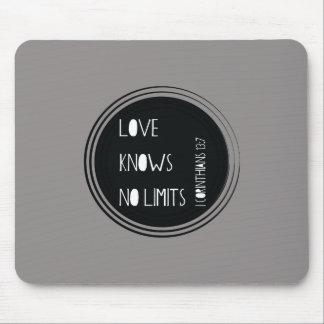 Liebe kennt keine Grenzen Mousepad
