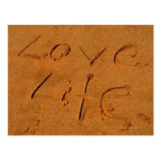 """""""Liebe-Leben"""" geschrieben in Sand Postkarte"""