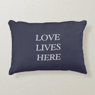 Liebe lebt hier zierkissen