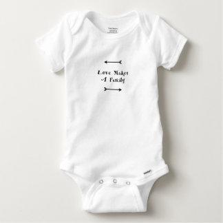 Liebe macht eine Familie - die Parenting Pflege Baby Strampler