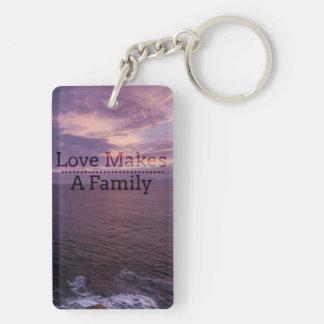 Liebe macht eine Familien-Adoption - Schlüsselanhänger