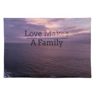 Liebe macht eine Familien-Adoption - Stofftischset