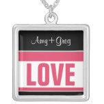 LIEBE:: mit den Namen rosa u. schwarzer Halskette