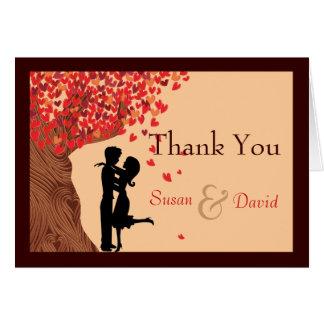 Liebe-Paar-danken fallender Herz-Eichen-Baum Ihnen Karte
