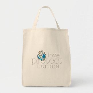 Liebe schützen sich ernähren T - Shirts und Leinentaschen
