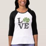 LIEBE Tag St. Patricks mit Kleeblatt T Shirts
