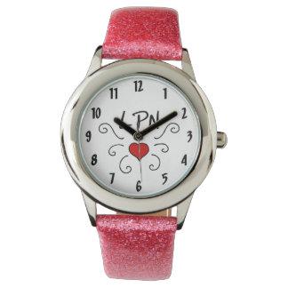 Liebe-Tätowierung der Krankenschwester-LPN Uhr