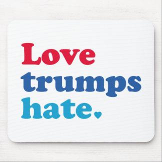 Liebe-Trumpf-Hass Mousepad