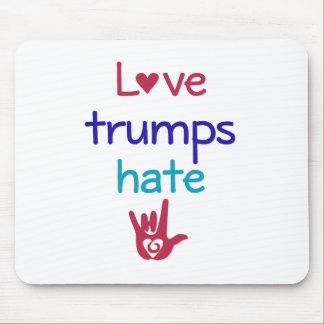 Liebe-Trümpfe hassen Antitrumpf Mousepad