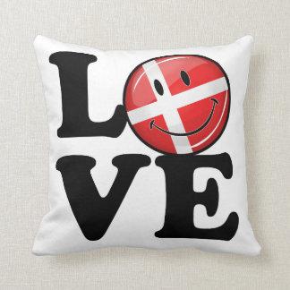 Liebe von lächelnder Flagge Dänemarks Kissen
