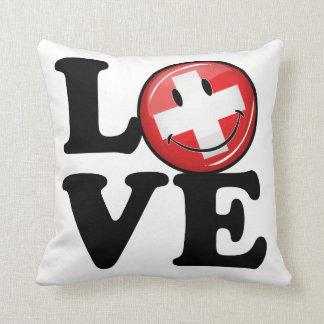 Liebe von lächelnder Flagge der Schweiz Kissen