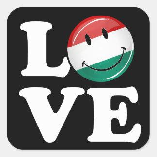 Liebe von lächelnder Flagge Ungarns Quadratischer Aufkleber