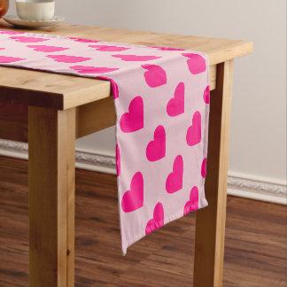 Liebeherz des heißen Rosas Kurzer Tischläufer