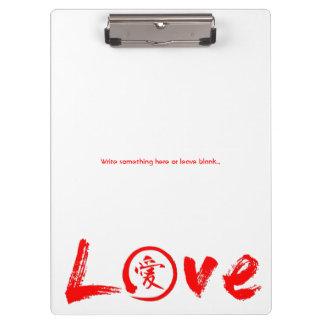 Liebeklemmbretter mit rotem Kanji und enso kreisen Klemmbrett