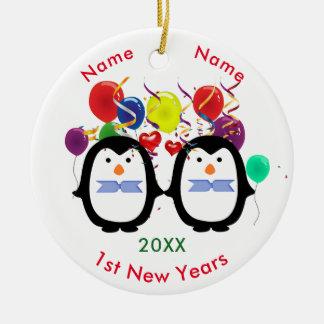 Liebevolle Pinguin-Paare zwei Mannes1. neue Jahre Keramik Ornament