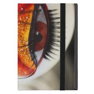 Liebevolles Auge. Liebe und Goth Projekt iPad Mini Hüllen