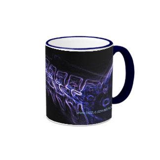 Lila/blaue Tasse C-Dorn Röntgenstrahls (kein Text)