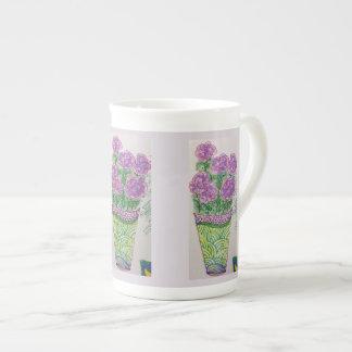 Lila Blumen Porzellantasse