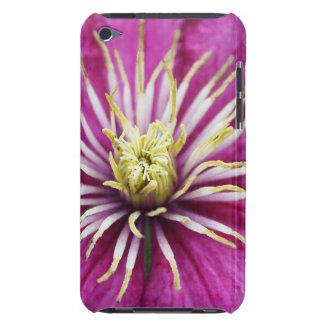 Lila Clematis-Blume in der Blüte während des Case-Mate iPod Touch Case