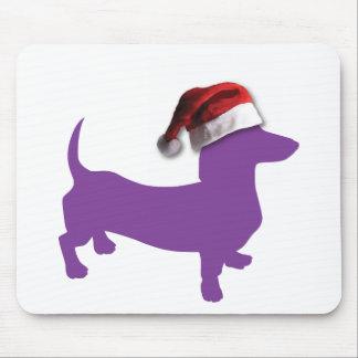 Lila Dackel mit Weihnachtsmannmütze Mousepad
