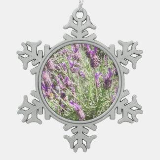 Lila französischer Lavendel-Blumen Schneeflocken Zinn-Ornament