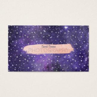 Lila Galaxie und Sterne mit Brushstroke Visitenkarte