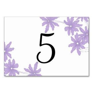 Lila Gänseblümchen, die Tischnummern Wedding sind