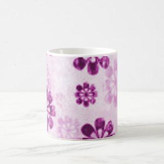 Lila Gänseblümchenblumengrunge-Muster Tee Haferl