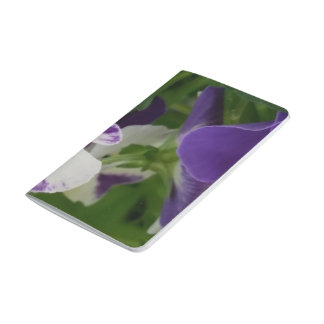 Lila gesprenkelte Blüten-Taschen-Zeitschrift Taschennotizbuch
