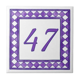 Lila Hausnummer Keramikfliese