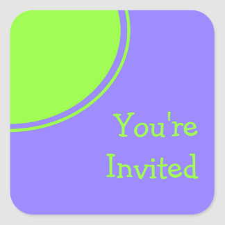lila hellgrünes Mod-Party laden ein Quadrataufkleber