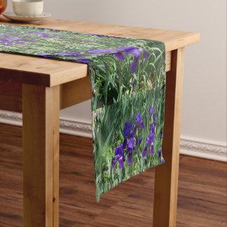 Lila Iris-Blumenmuster-Tabellen-Läufer Kurzer Tischläufer