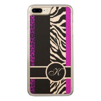 Lila Leopard-und Zebra-Tierdruck-Monogramm Carved iPhone 8 Plus/7 Plus Hülle