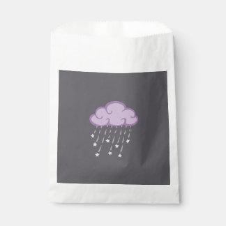Lila Locken-Regen-Wolke mit fallenden Sternen Geschenktütchen
