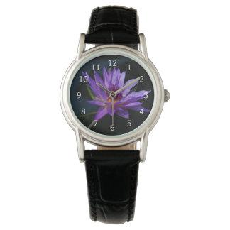 Lila Lotos-Wasserlilie Armbanduhr