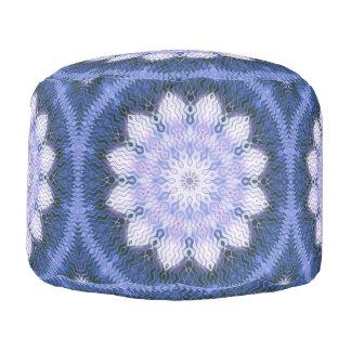 Lila Lotus, das Mandala-Puffe träumt Hocker