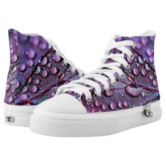 Lila Makrowasser lässt Muster auf Blatt-Natur Hoch-geschnittene Sneaker