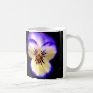 Lila Pansy Kaffeetasse
