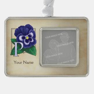 Lila Pansy-personalisiertes Blumenmonogramm Rahmen-Ornament Silber