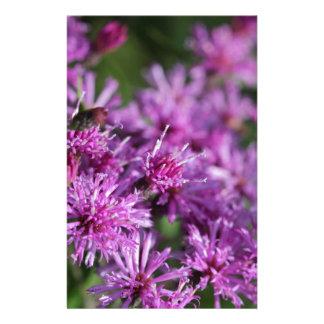 Lila riesige Ironweed-Wildblumen Briefpapier