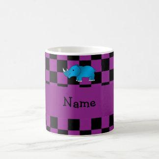 Lila Schachbrett des personalisierten blauen Kaffeetasse