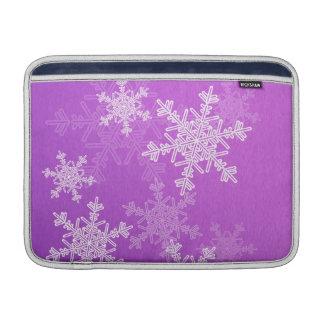 Lila Schneeflocke-WeihnachtsRickshaw-Hülse Sleeve Fürs MacBook Air