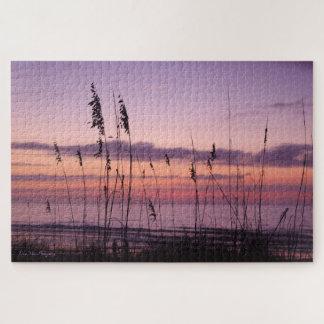 Lila Sonnenuntergang auf dem Strand Puzzle