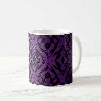 Lila Stammes- Formmuster Kaffeetasse