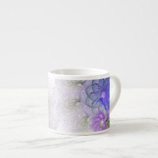 Lila und blauer Lacy abstrakter Blumen-Entwurf Espressotasse