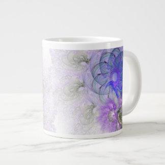 Lila und blauer Lacy abstrakter Blumen-Entwurf Jumbo-Tasse