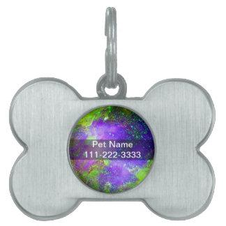 lila und grünes Galaxie-Nebelfleckraumbild Tiermarke