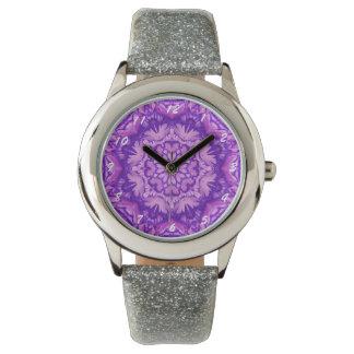Lila und Lavendel-viktorianisches Blumen Armbanduhr