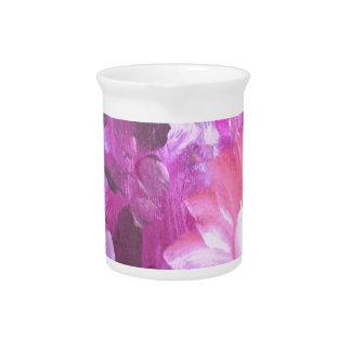Lila und rosa gemalte Blumen Getränke Pitcher