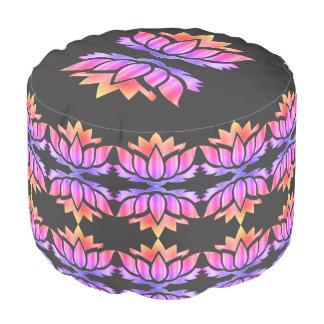 Lila und rosa Lotos-Blumenentwurf Hocker